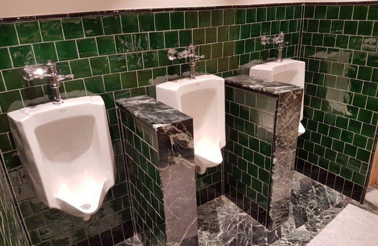 Plomberie, pose sol et faïence, rénovation toilettes brasserie _ Paris